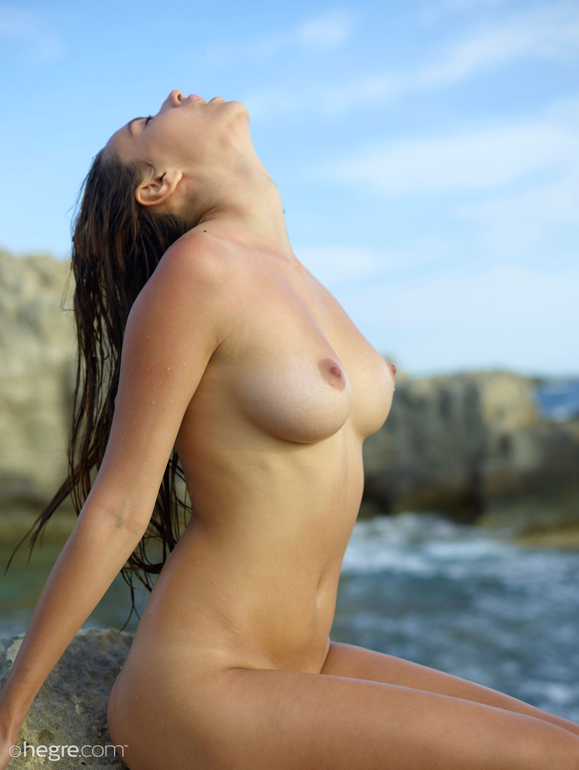 cdn gyrls wp content uploads 2018 04 30 alisa i nude and wet in the sun 6