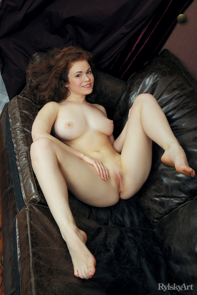 Curly hair nude